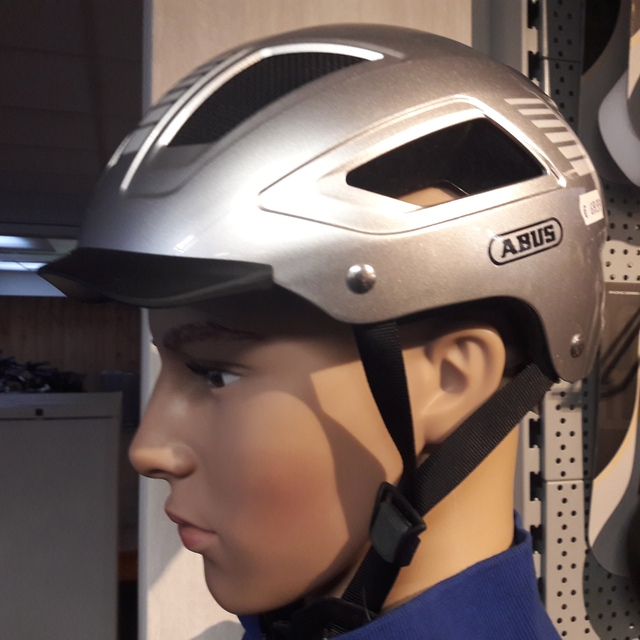Abus E-Bike helm.